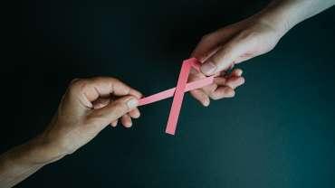 Tumore al seno: gli esercizi da fare dopo l'intervento